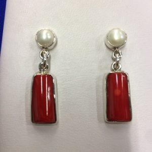 Aretes de perla con coral